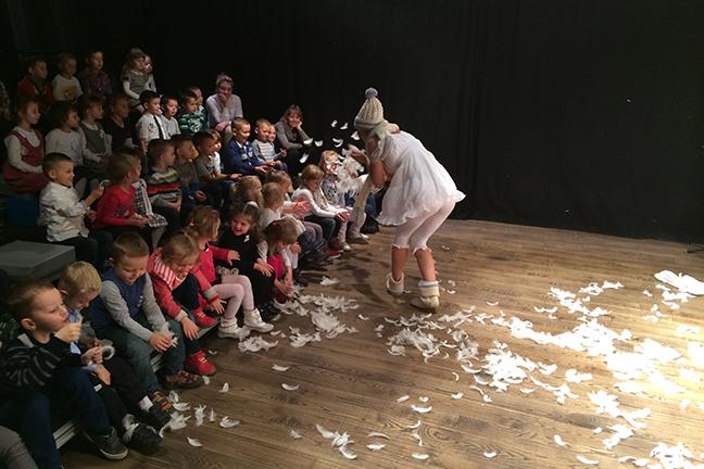 Publiek doet mee in Kindervoorstelling Vier Seizoenen