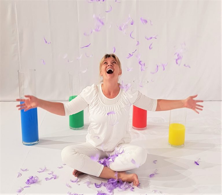 The Rainbow - Show for toddlers by Black Cat Theatre