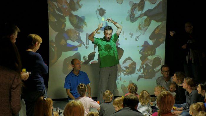 """Acteur voor projectie in kindervoorstelling """"Parallelle Werelden"""""""